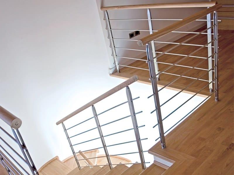 Baranda de escalera en acero y madera para escaleras for Escaleras rintal
