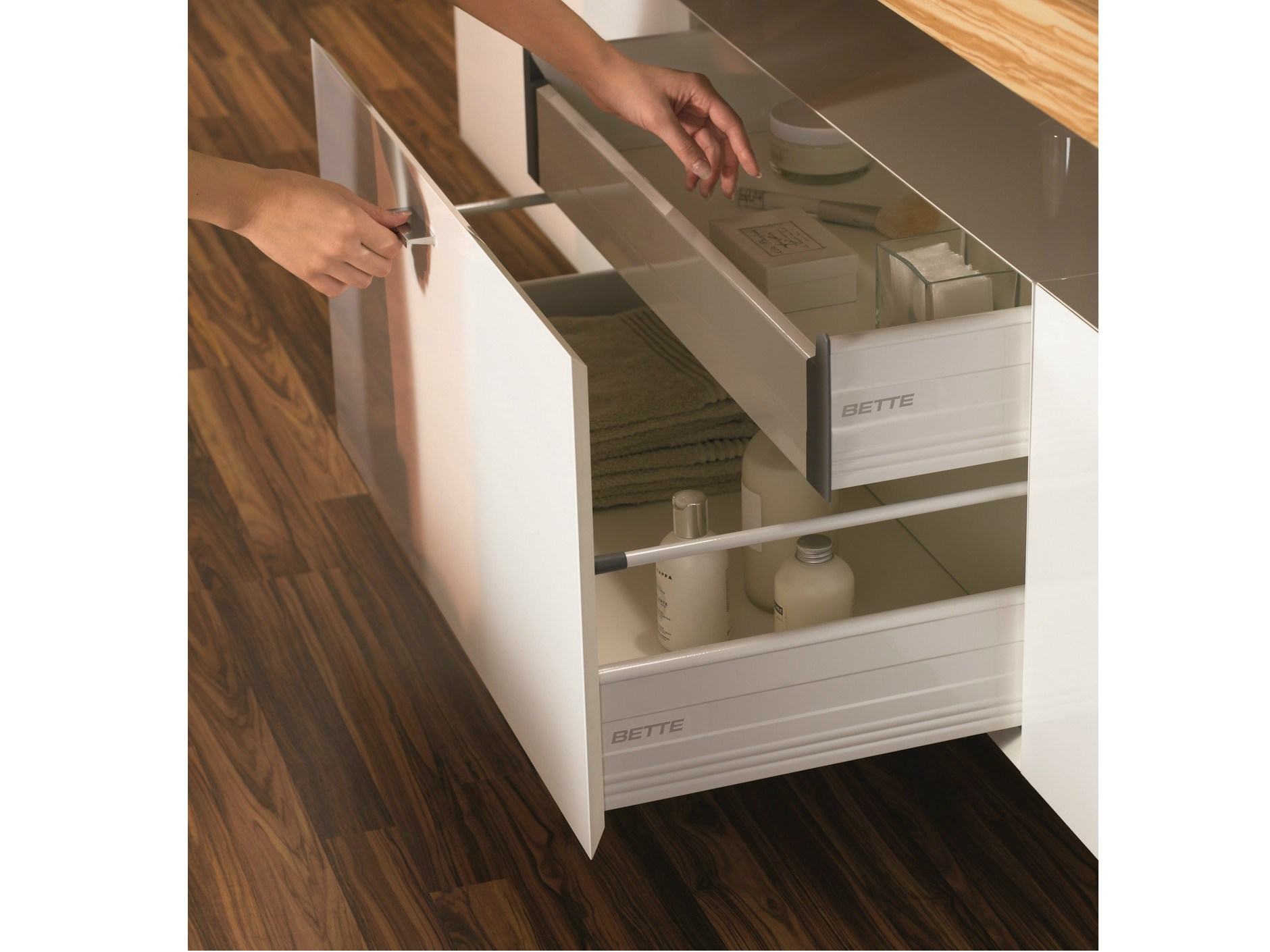 suspended bathroom cabinet with drawers betteroom auszugs