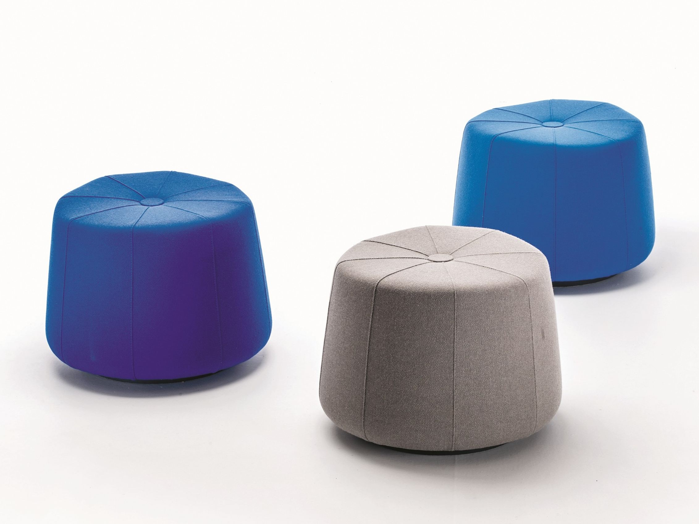 windmill pouf de style contemporain by la cividina. Black Bedroom Furniture Sets. Home Design Ideas