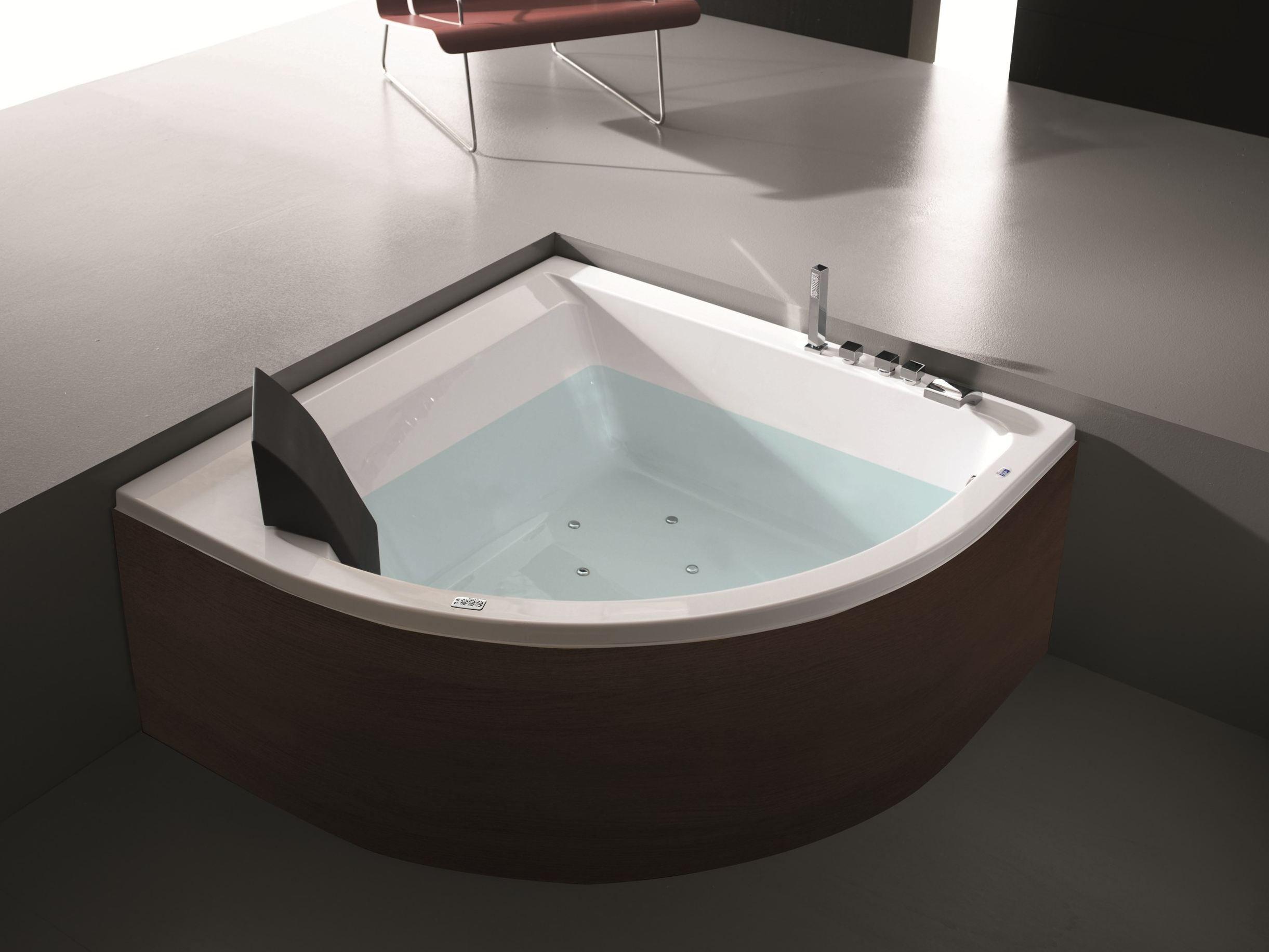 Vasca da bagno angolare idromassaggio in legno ERA PLUS 140X140 by HAFRO