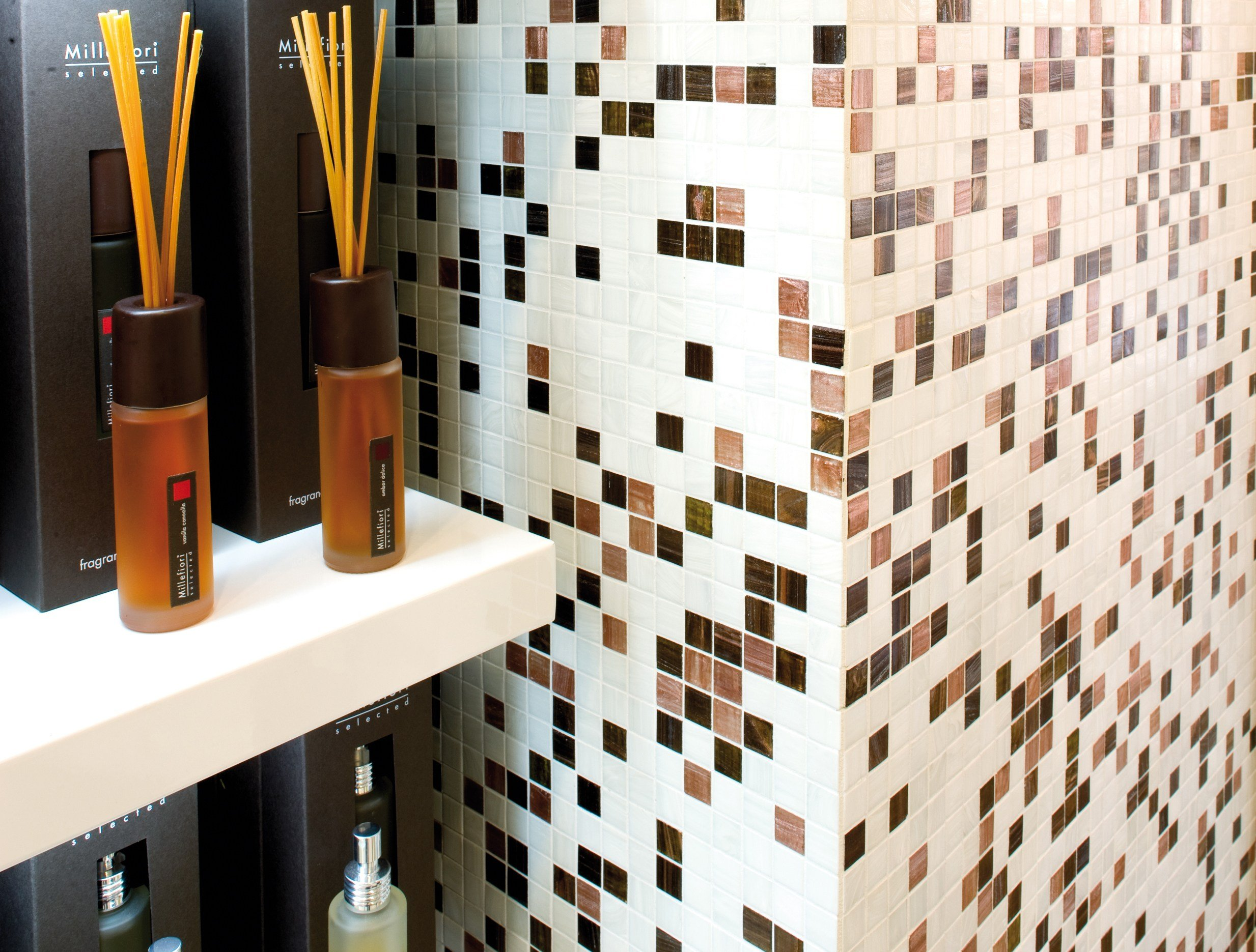 Mosaico in vetro brillante by trend group for Mosaico group