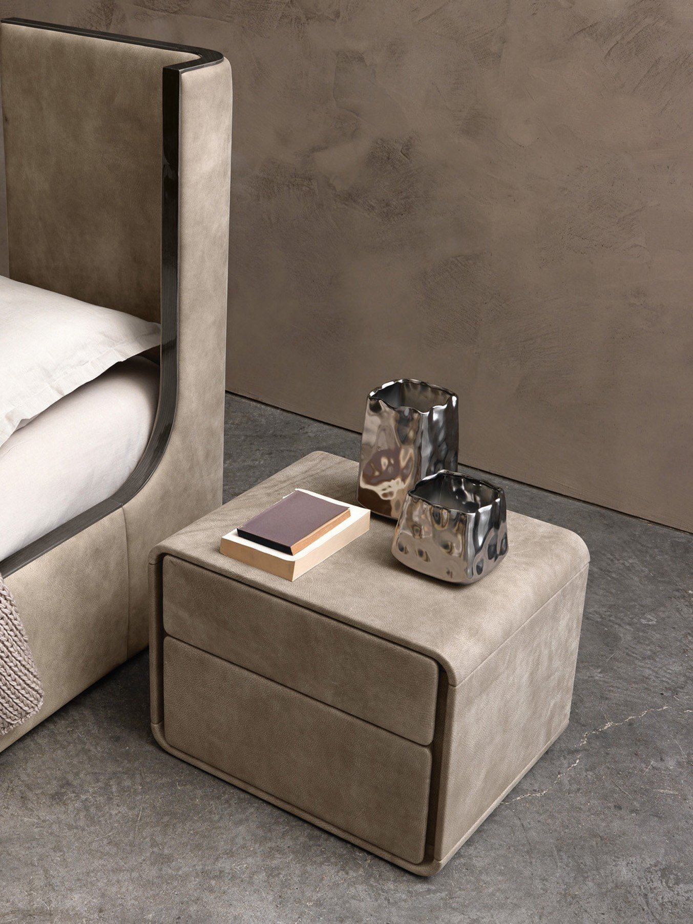 Ice bedside table by presotto industrie mobili design for Presotto industrie mobili