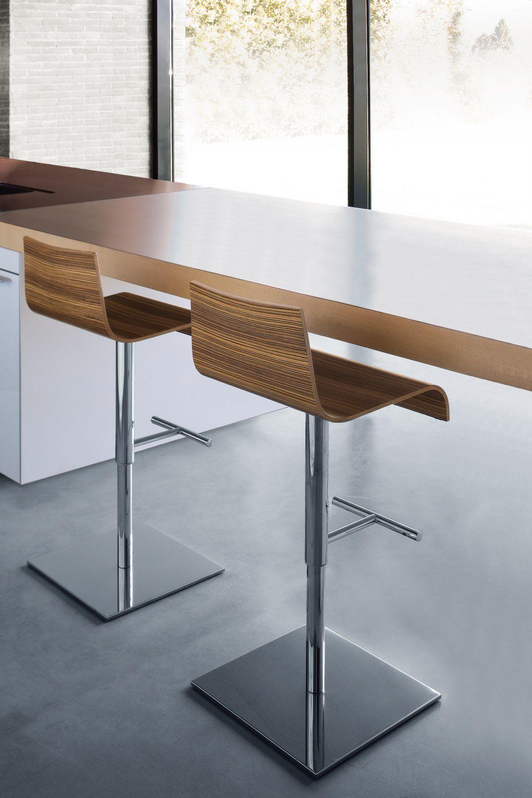 chaise cuisine reglable en hauteur avec des. Black Bedroom Furniture Sets. Home Design Ideas