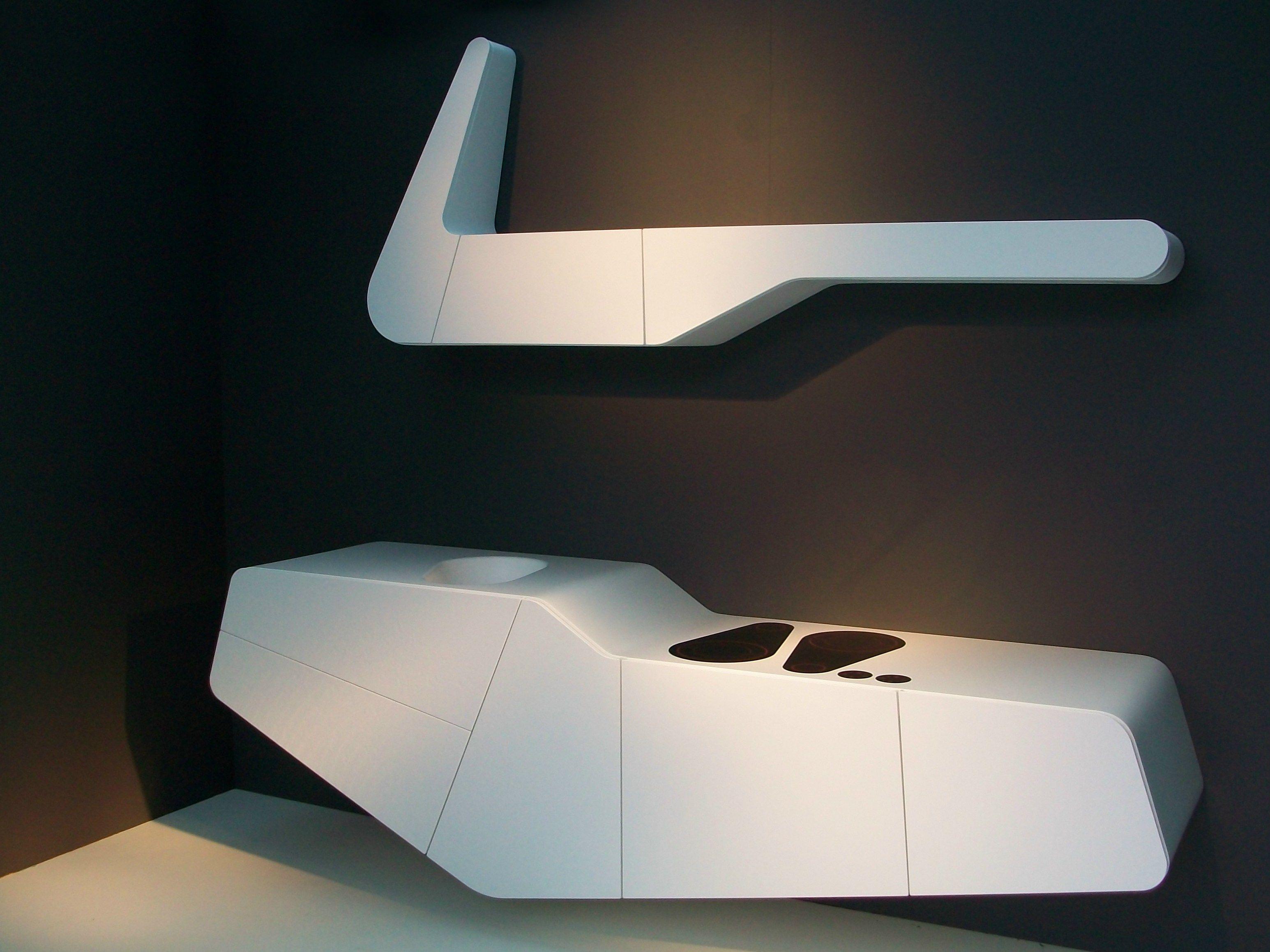 schwebende k che aus solid surface objet mono block by. Black Bedroom Furniture Sets. Home Design Ideas