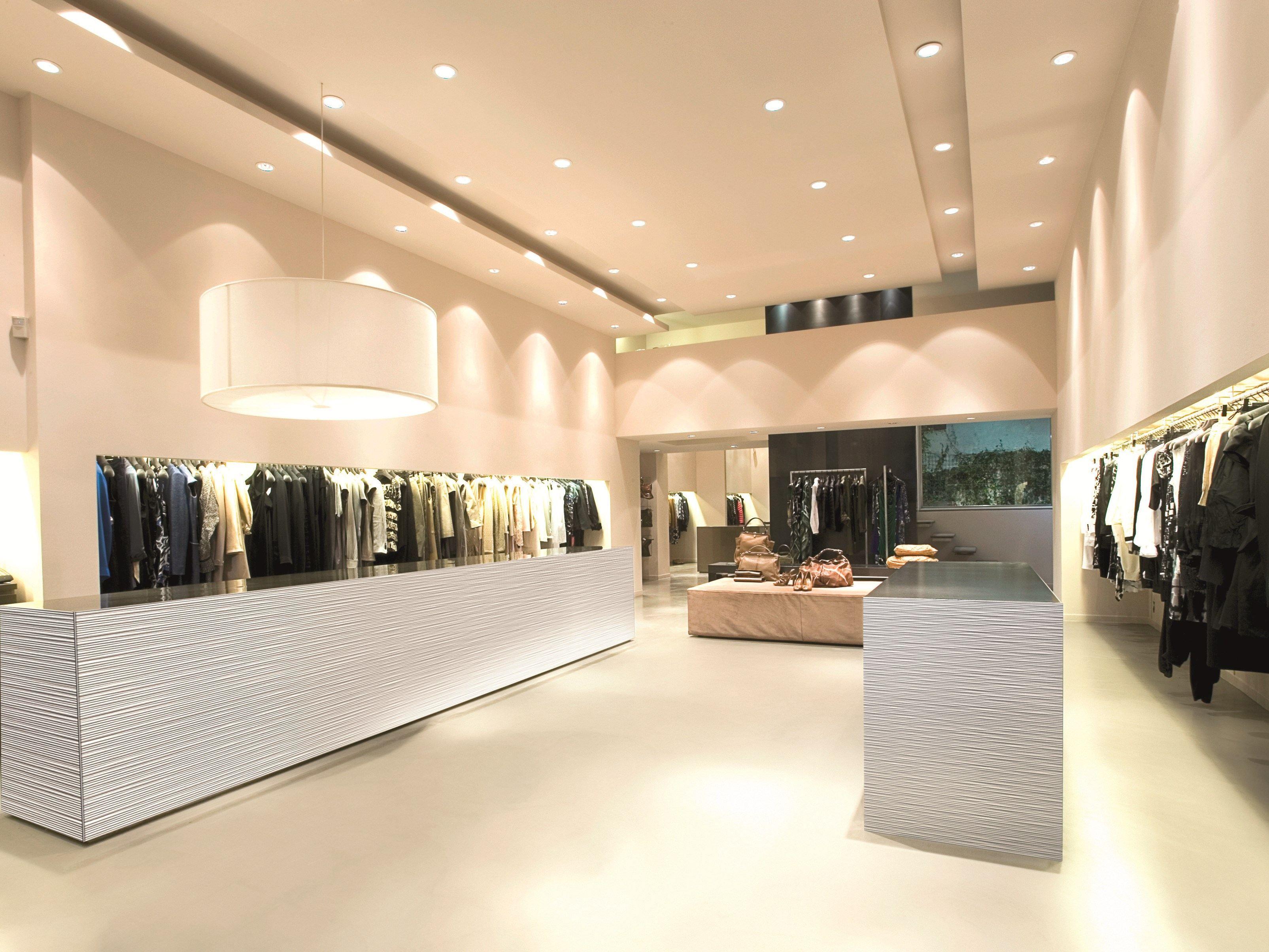 Arredo per negozi in laminato di alluminio starline by for Arredi per negozi abbigliamento