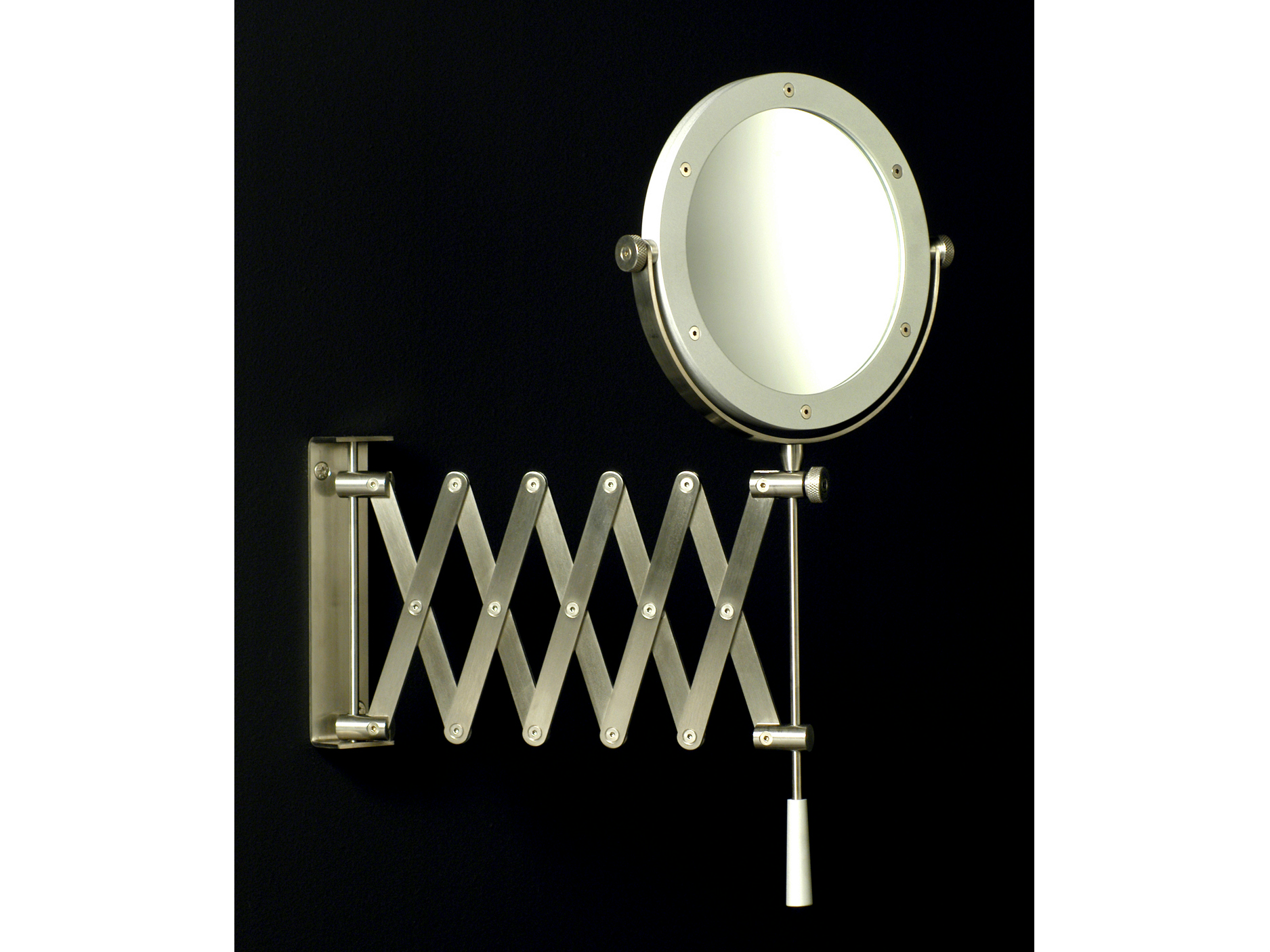 Miroir grossissant rond mural minimal collection for Miroir grossissant mural
