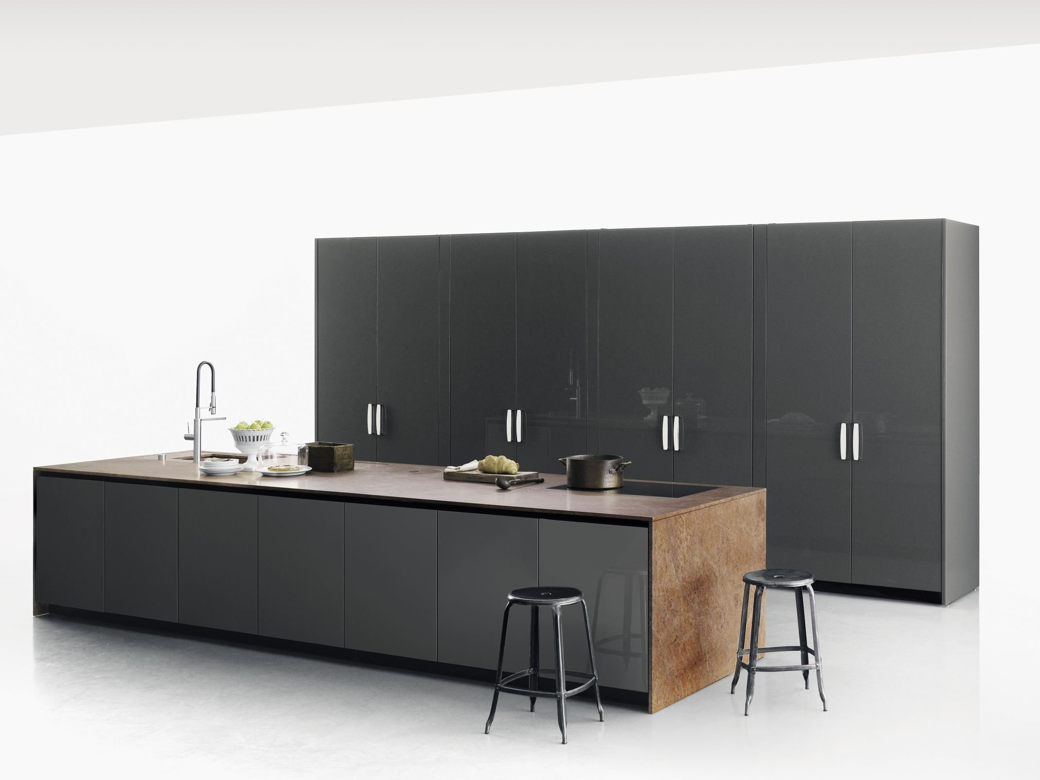 k che aus stein mit k cheninsel xila by boffi. Black Bedroom Furniture Sets. Home Design Ideas