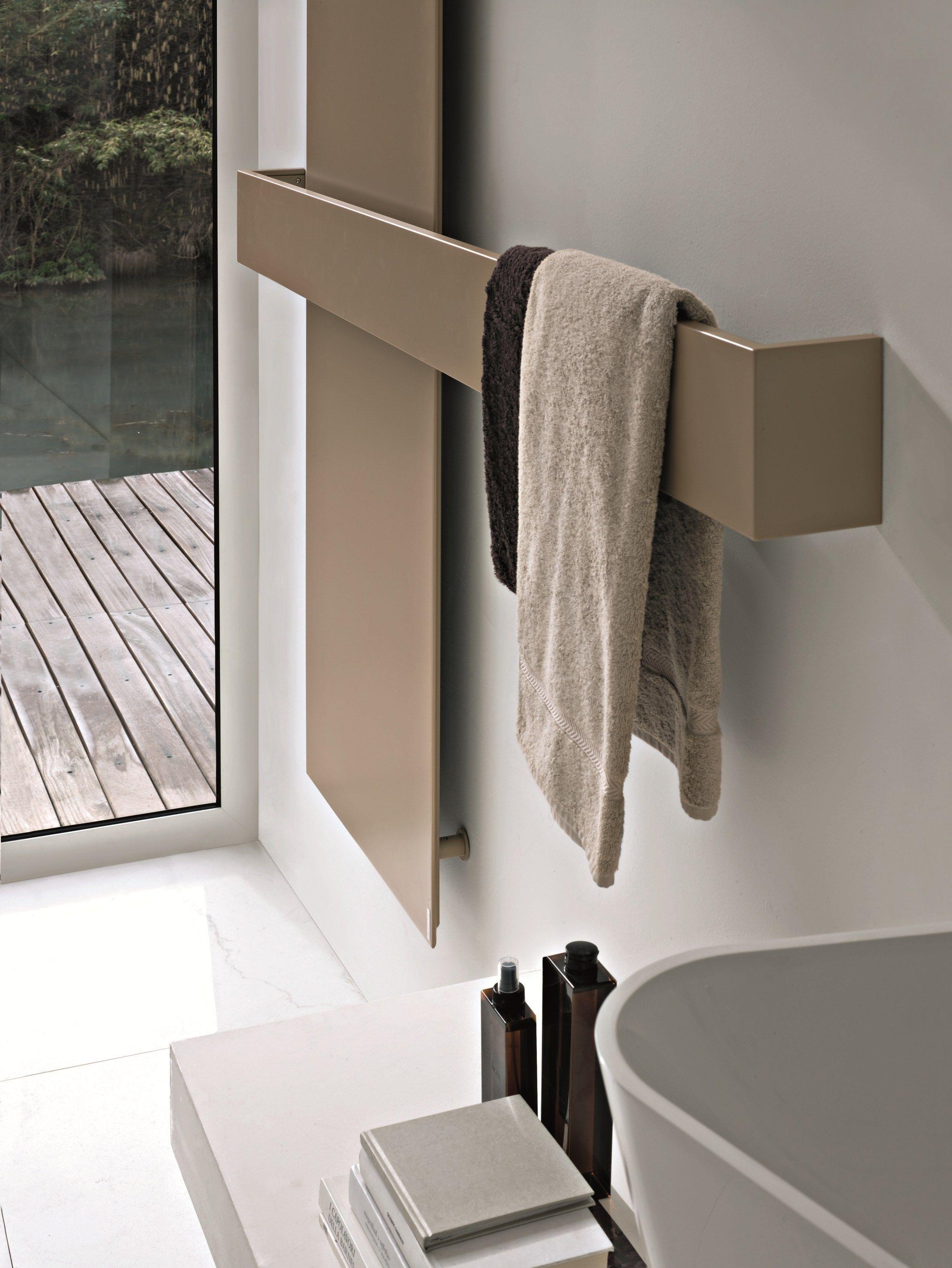 Square vertikaler designheizk rper by tubes radiatori - Support serviette salle de bain ...