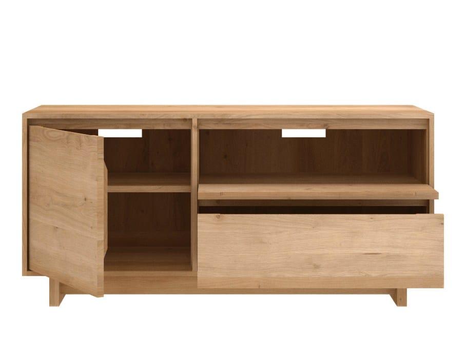 Oak wave meuble tv en bois massif by ethnicraft for Meuble tv wave