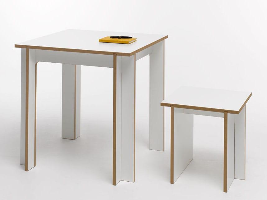 tablegroup mesa quadrada by tojo m bel design bj rn hammer. Black Bedroom Furniture Sets. Home Design Ideas