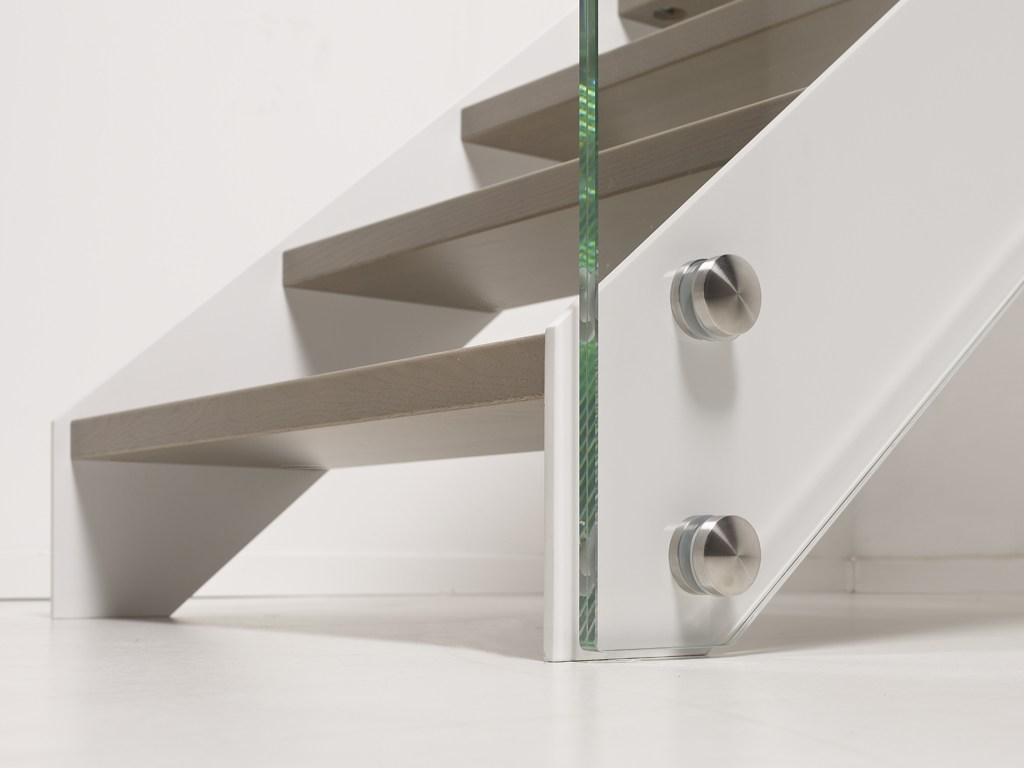 Escalera abierta autoportante recta lafont fascia by for Escaleras fontanot