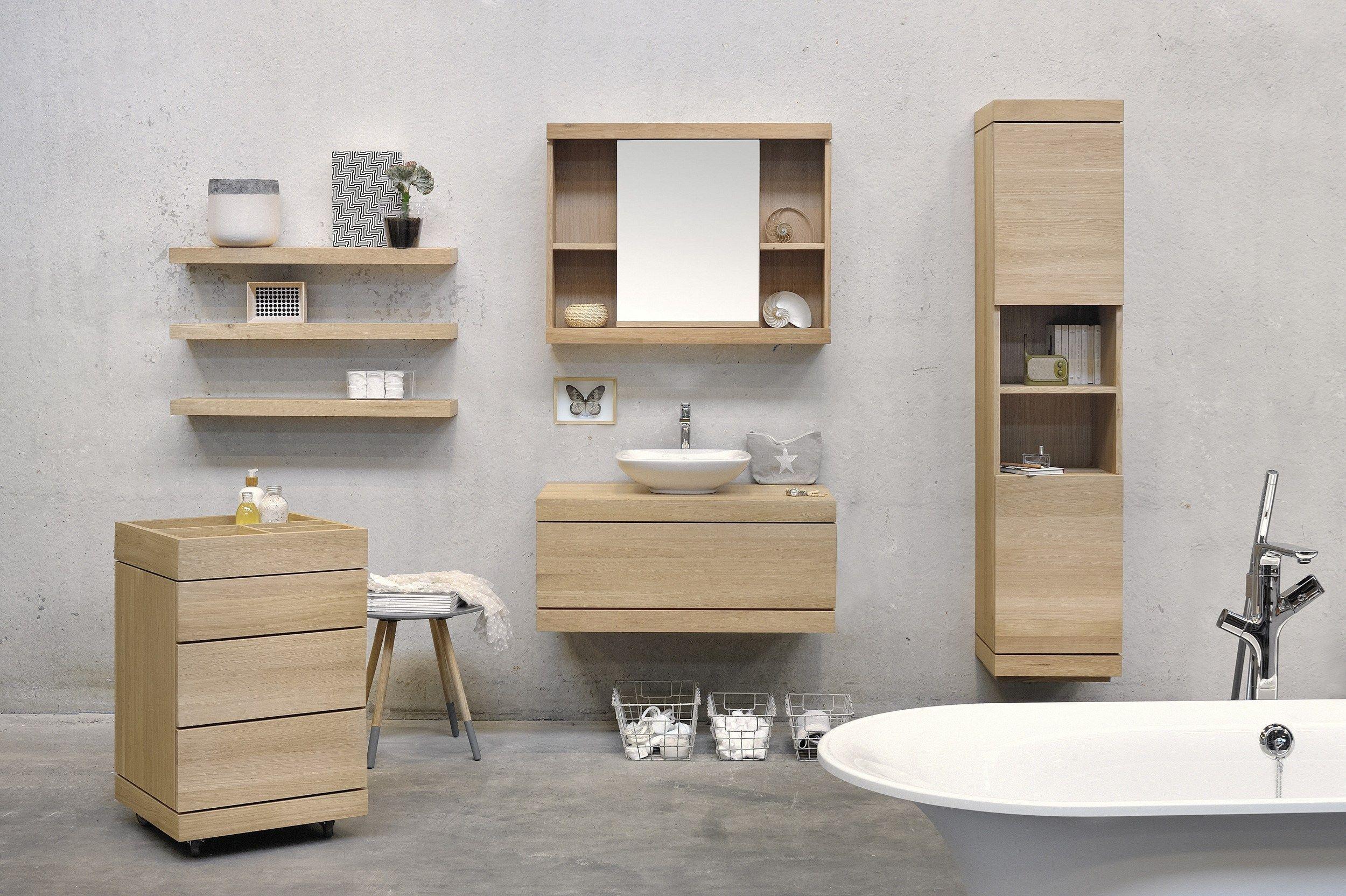 meuble pour salle de bain haut en bois massif avec portes oak cadence meuble pour - Meuble Salle De Bain Bois Massif