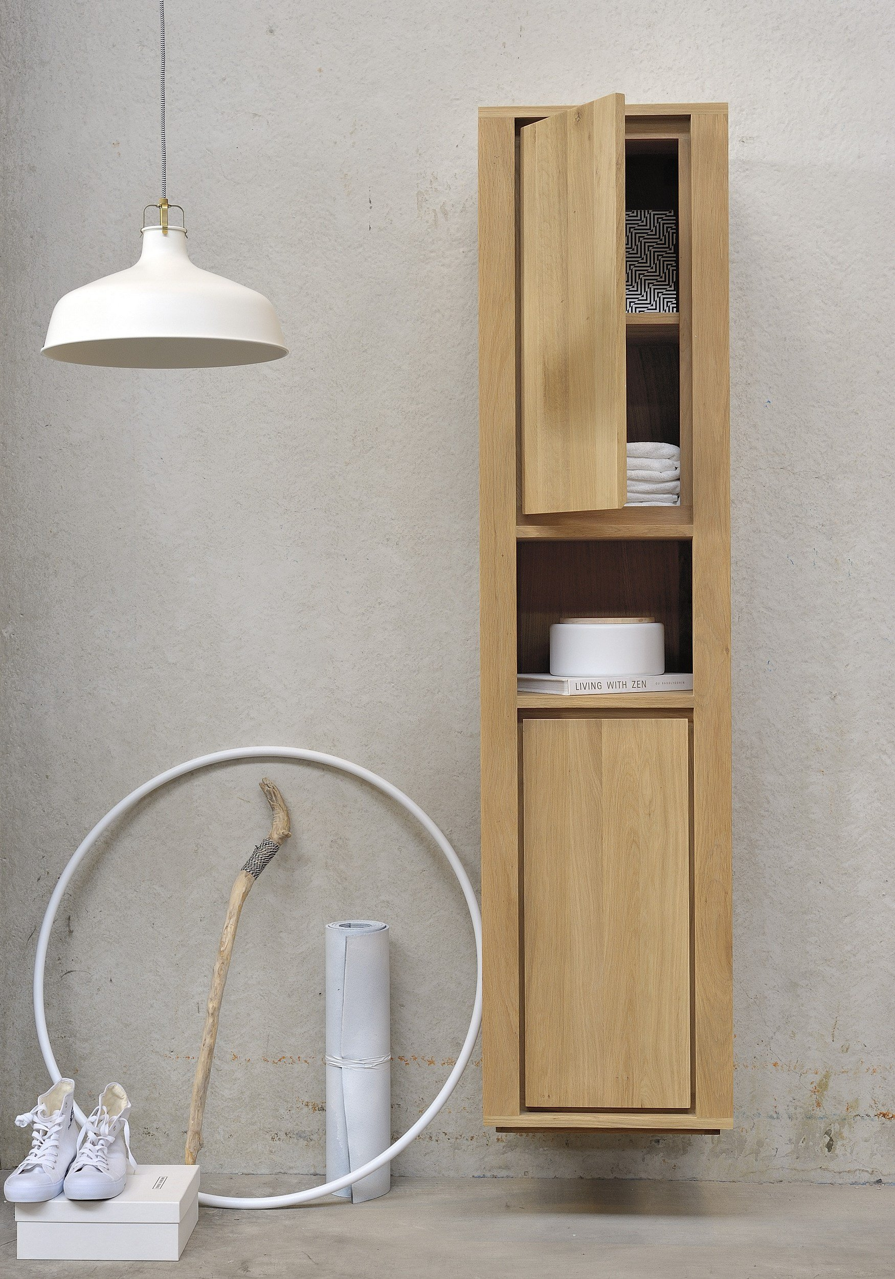 Oak shadow mobile bagno a colonna by ethnicraft for Mobile bagno legno