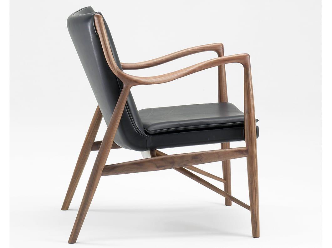 sedia imbottita in pelle con braccioli 45 by onecollection On sedia 45 finn juhl
