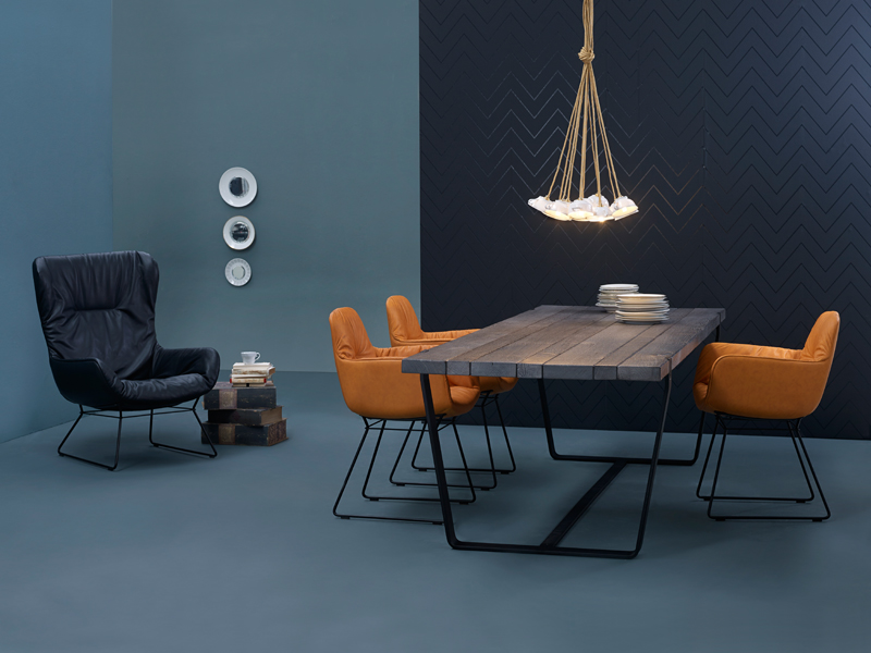 leya armchair high stuhl mit kufengestell by freifrau design hoffmann kahleyss. Black Bedroom Furniture Sets. Home Design Ideas
