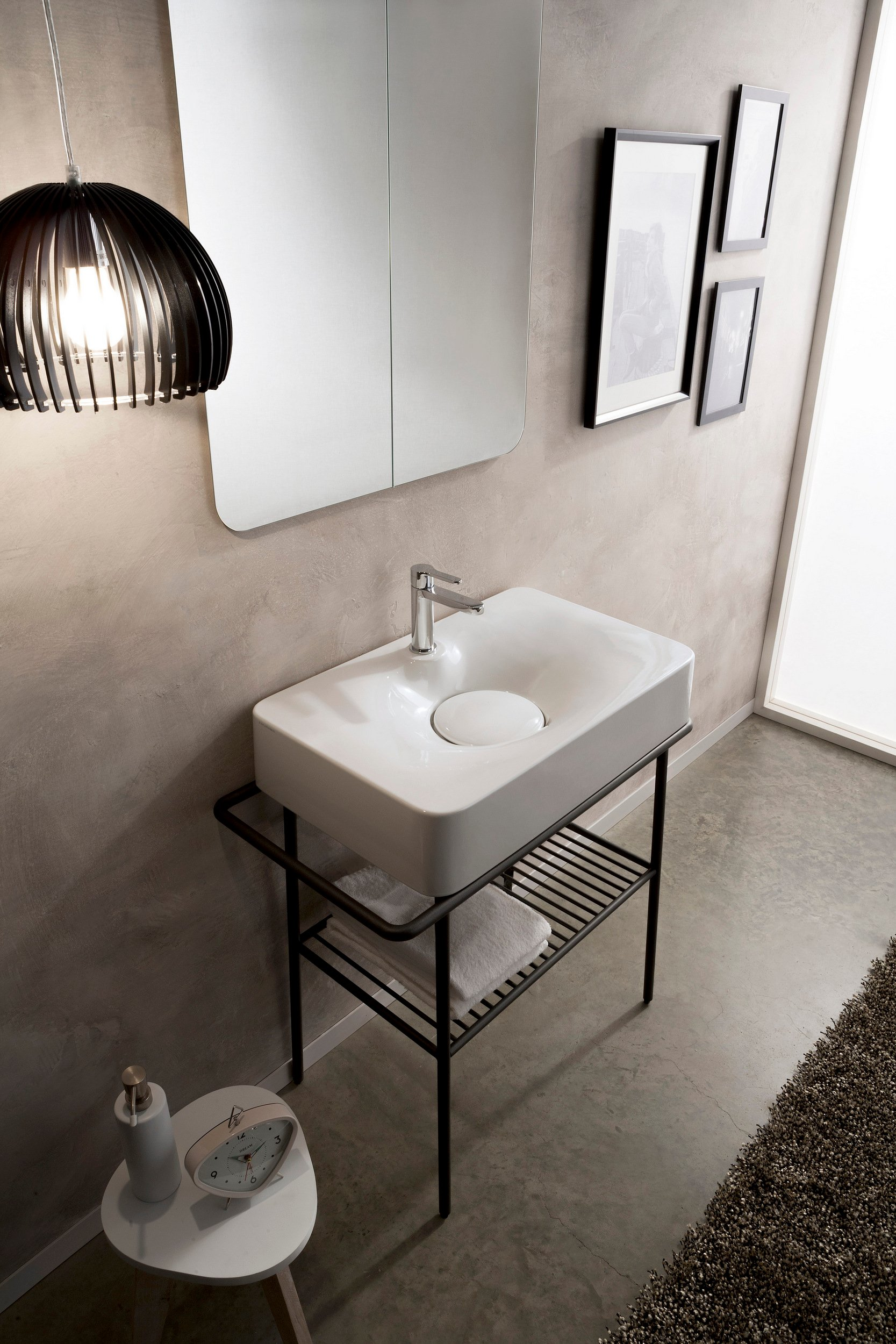 lavabo da appoggio in ceramica con porta asciugamani collezione fuji by scarabeo ceramiche. Black Bedroom Furniture Sets. Home Design Ideas