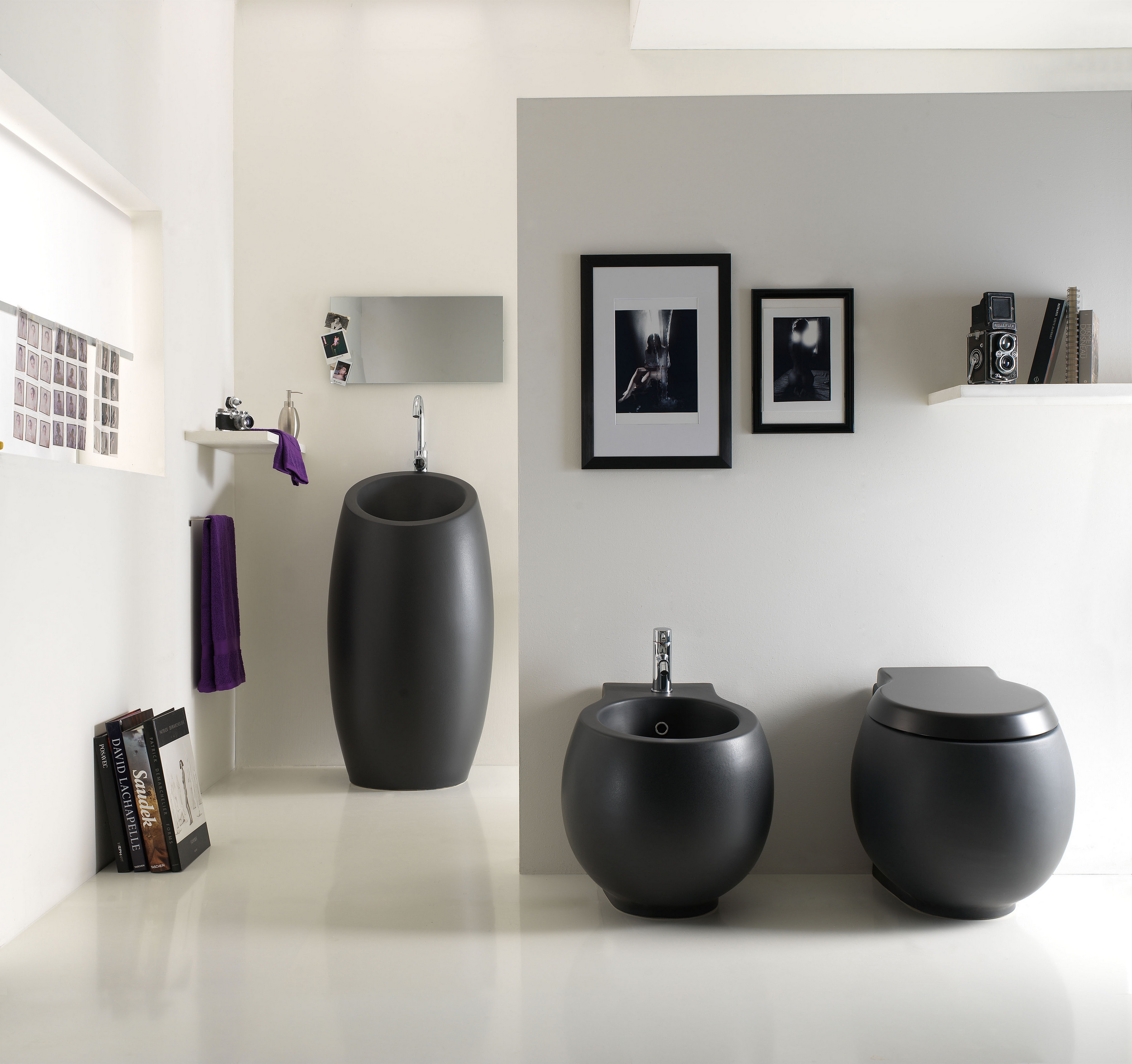 planet lavabo freestanding by scarabeo ceramiche design massimiliano braconi. Black Bedroom Furniture Sets. Home Design Ideas