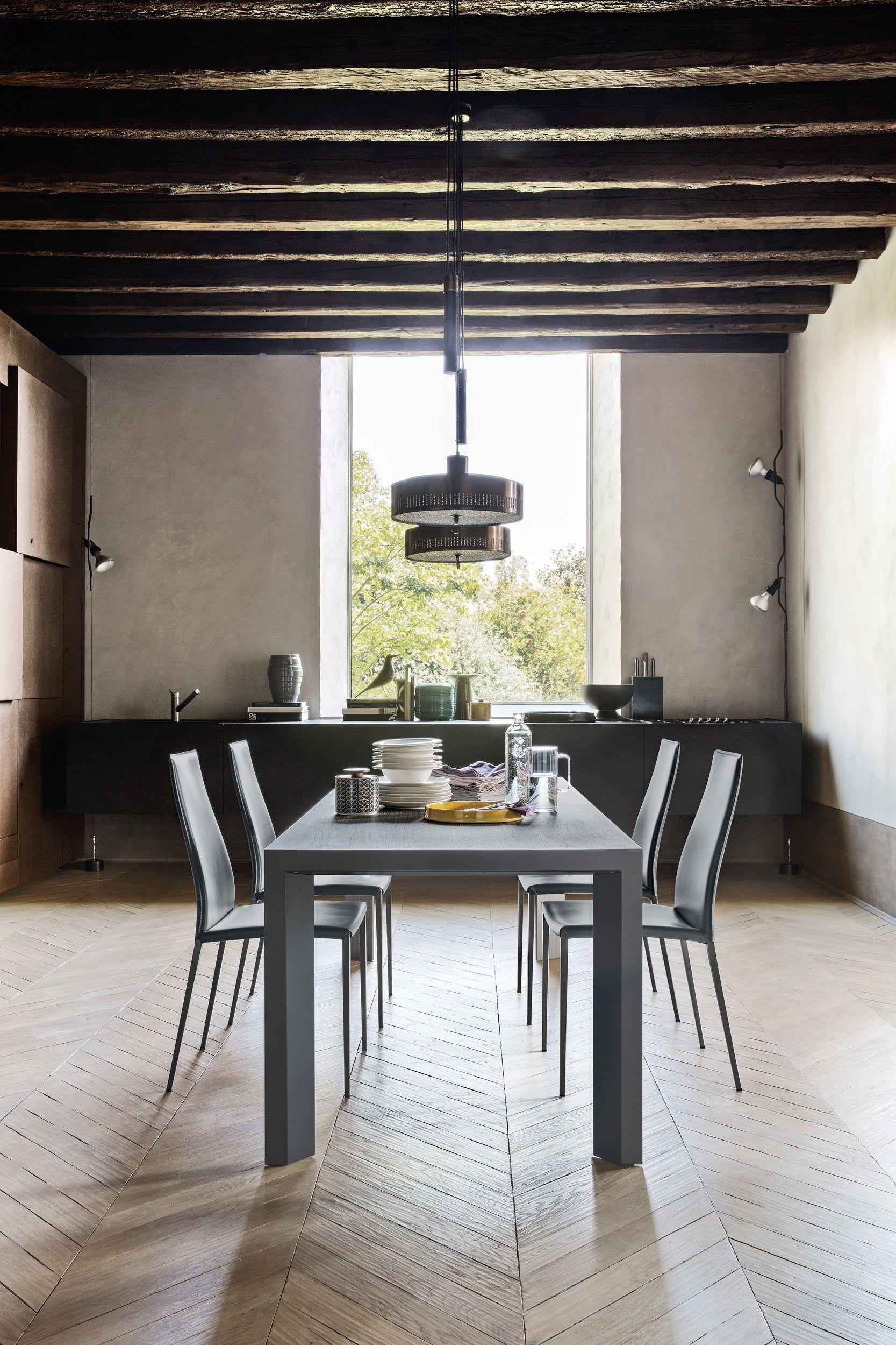 Aida sedia in cuoio rigenerato by calligaris design studio 28 for Sedia design schienale alto