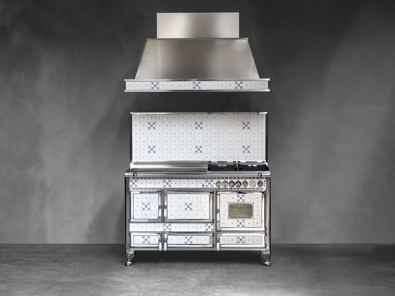 Cucina a libera installazione borgo antico 140 lge collezione borgo antico by corradi cucine - Cucine a libera installazione ...