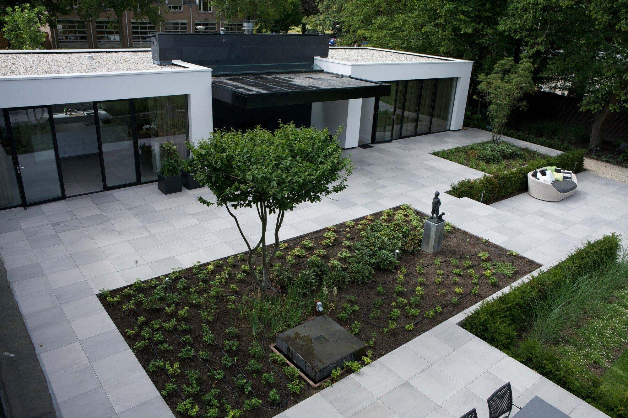 Ceramic outdoor floor tiles mosa exterior flooring system for Exterior flooring