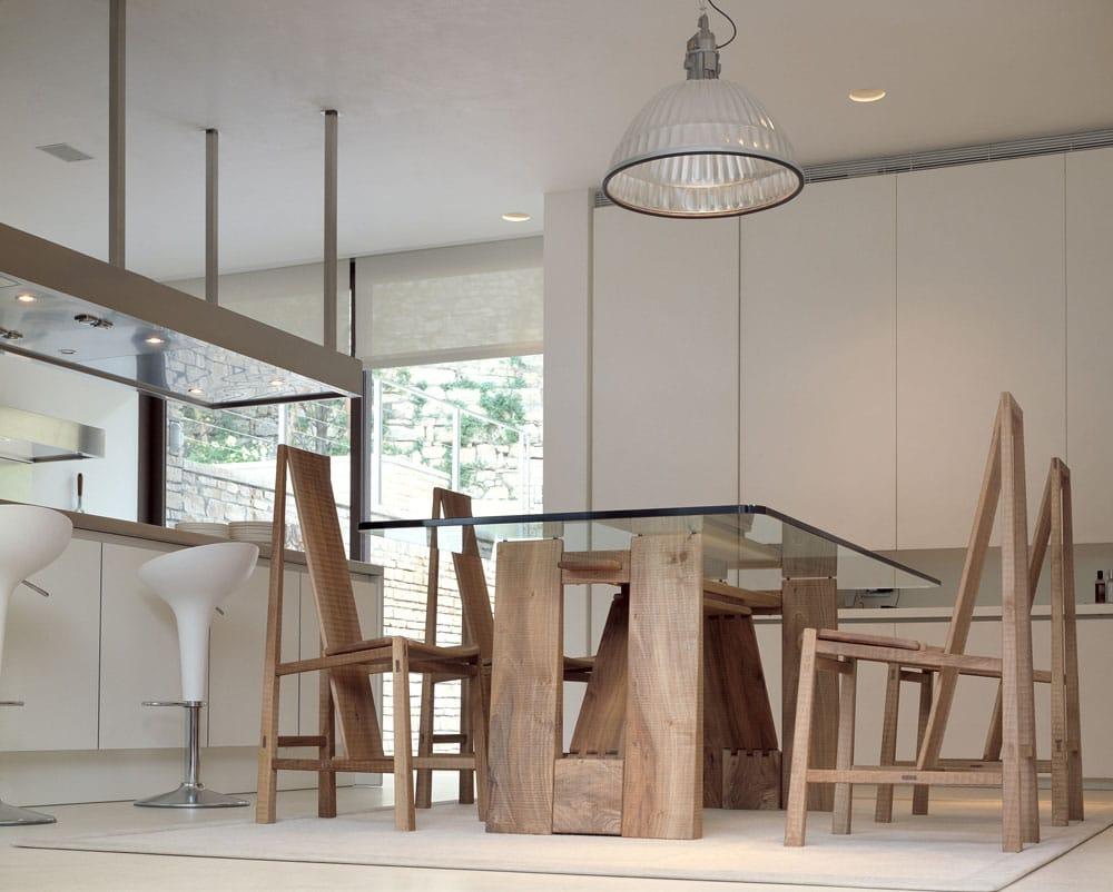 Tavolo rettangolare in legno e vetro perugino by habito by for Tavolo design vetro