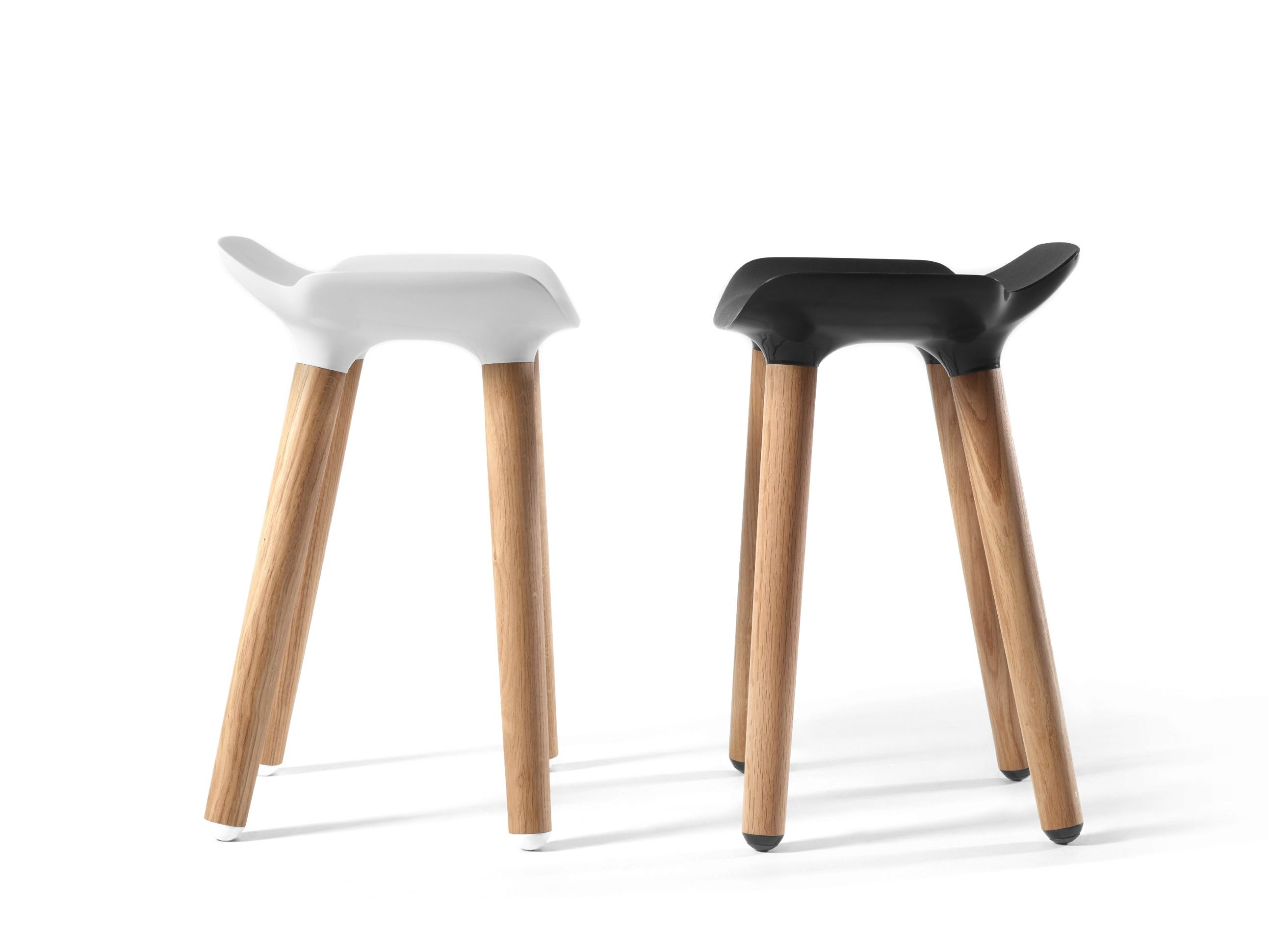 Low wooden stool pilot stool by quinze milan design - Banquetas para cocina ...
