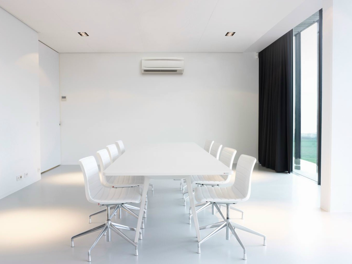 Climatiseur mural commercial fxaq p ligne vrv systems by for Climatiseur mural air tempo