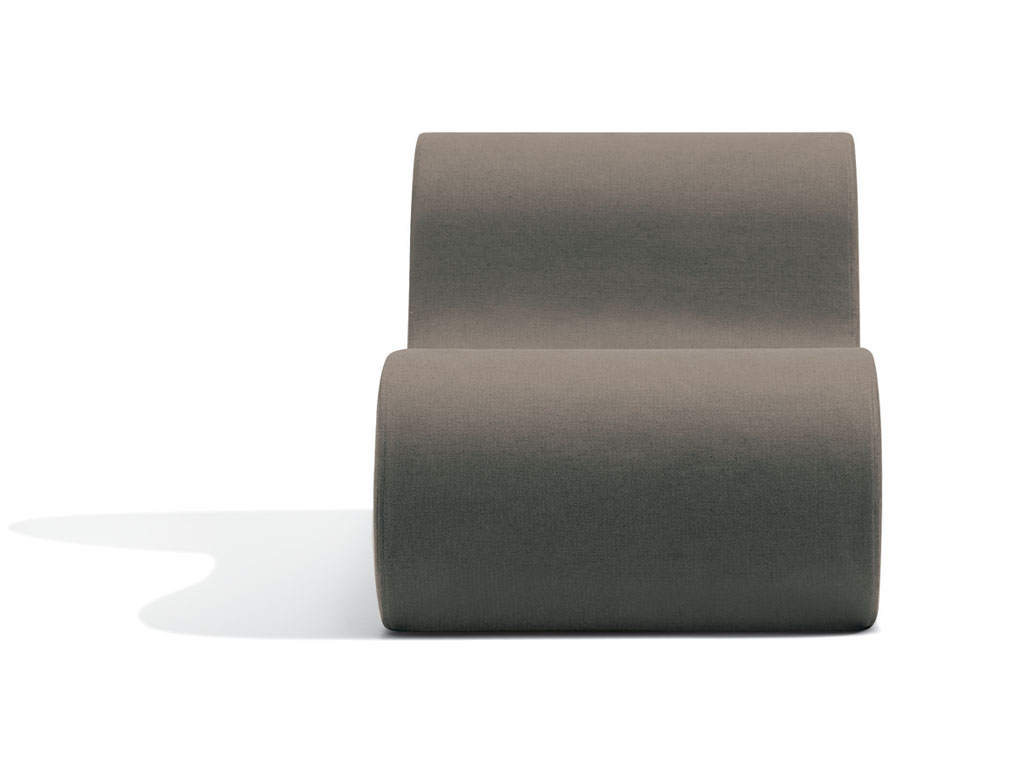 Virgola poltrona in tessuto by missonihome design for Chi va a roma perde la poltrona