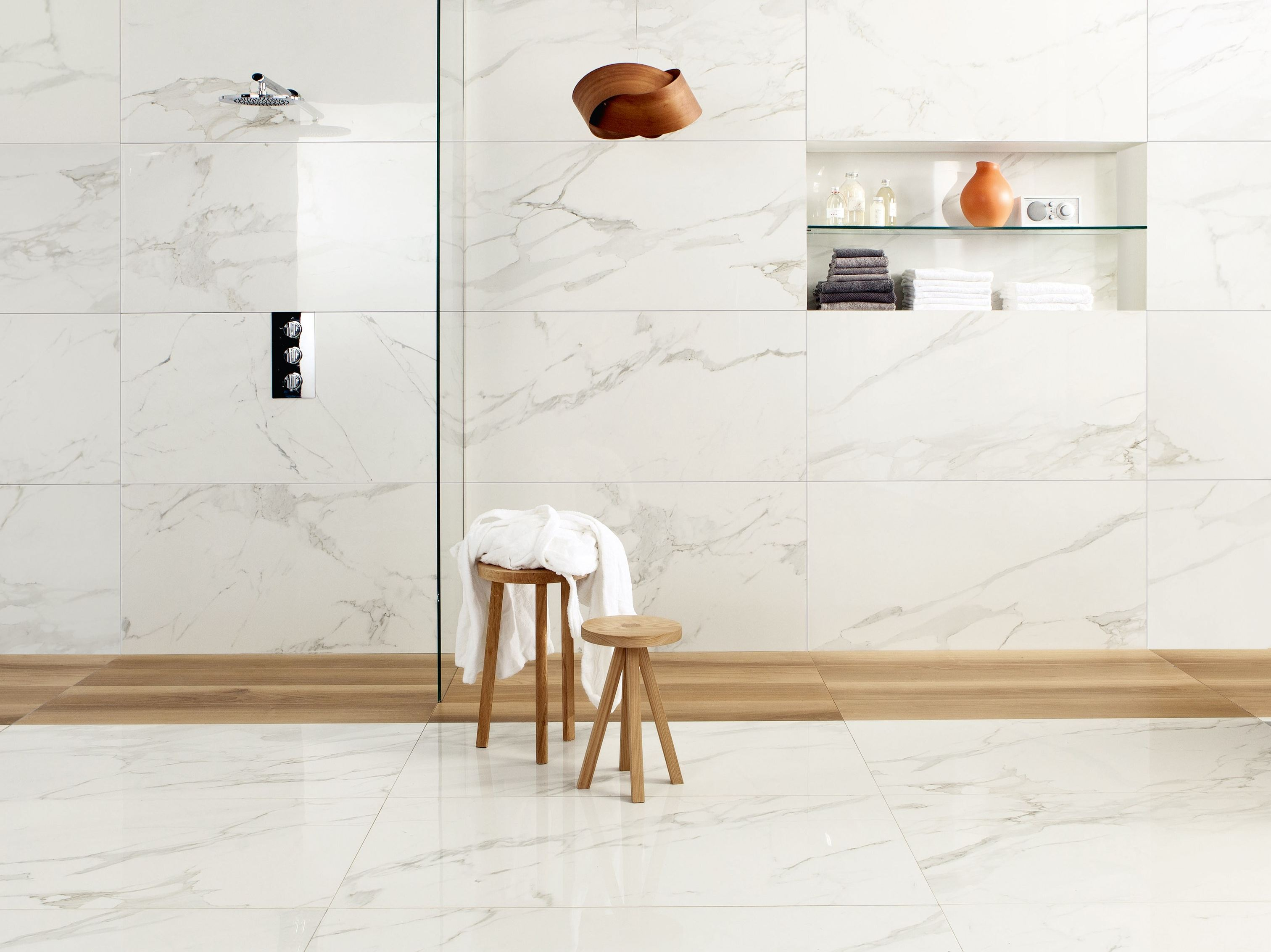 Porcelain stoneware wall floor tiles with marble effect for Carrelage de marbre blanc