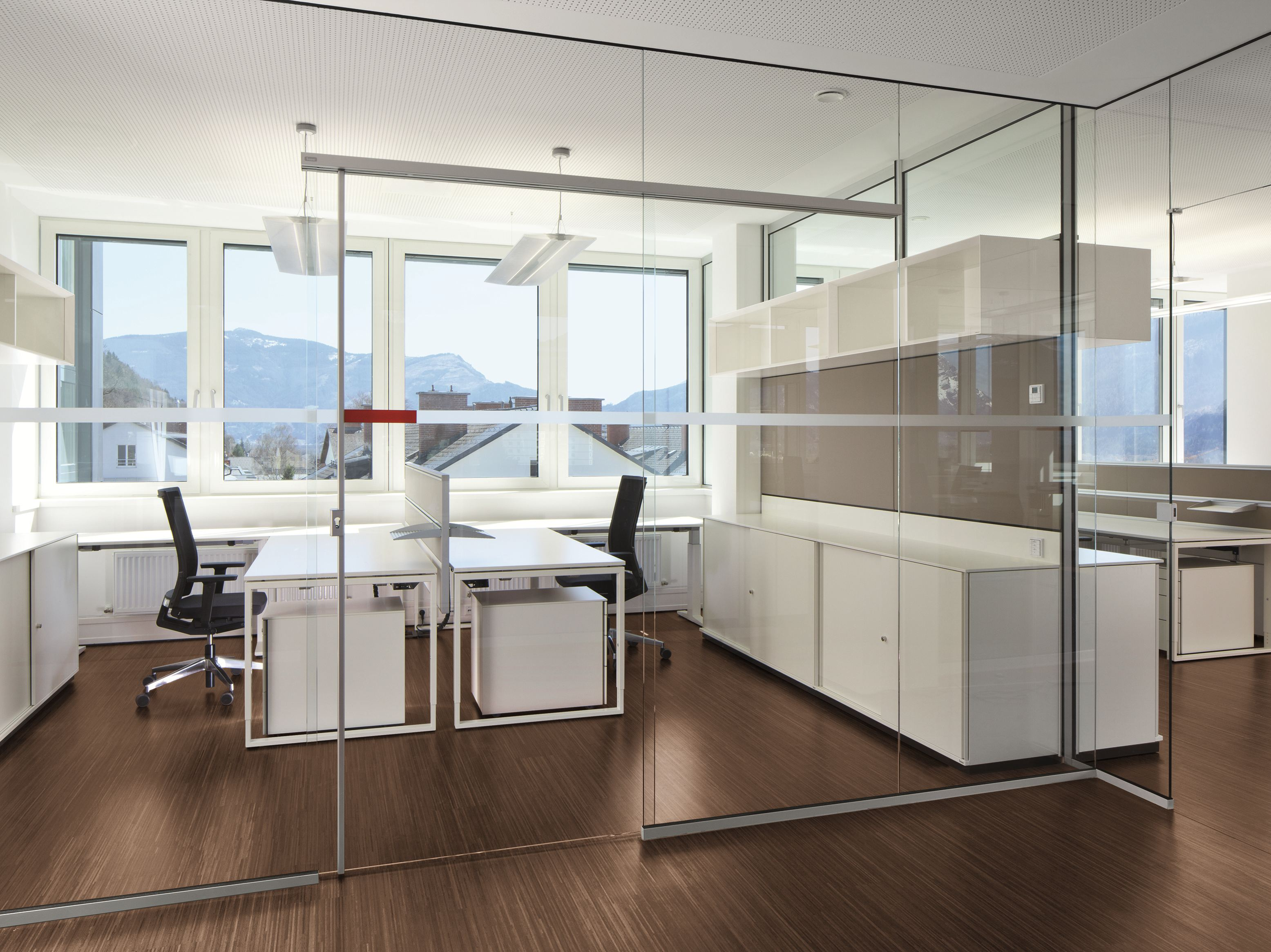 glass office partition rg glass wall by bene design. Black Bedroom Furniture Sets. Home Design Ideas