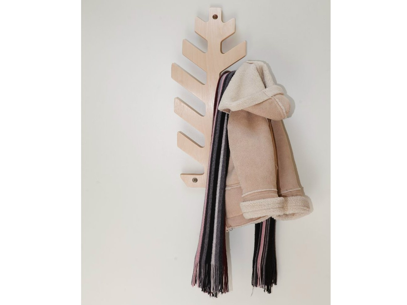 Wall mounted birch coat rack for children kuusk by tarmeko Kids coat rack