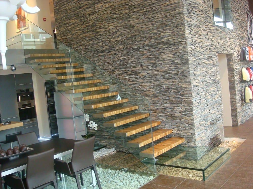 Der Bodenbelag aus Glas wurde für die zweite Etage gewählt