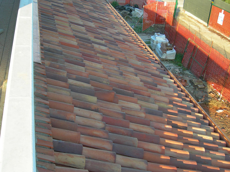 Roman And Flat Roof Clay Tile Coppo Da 45 By Fornace Fonti
