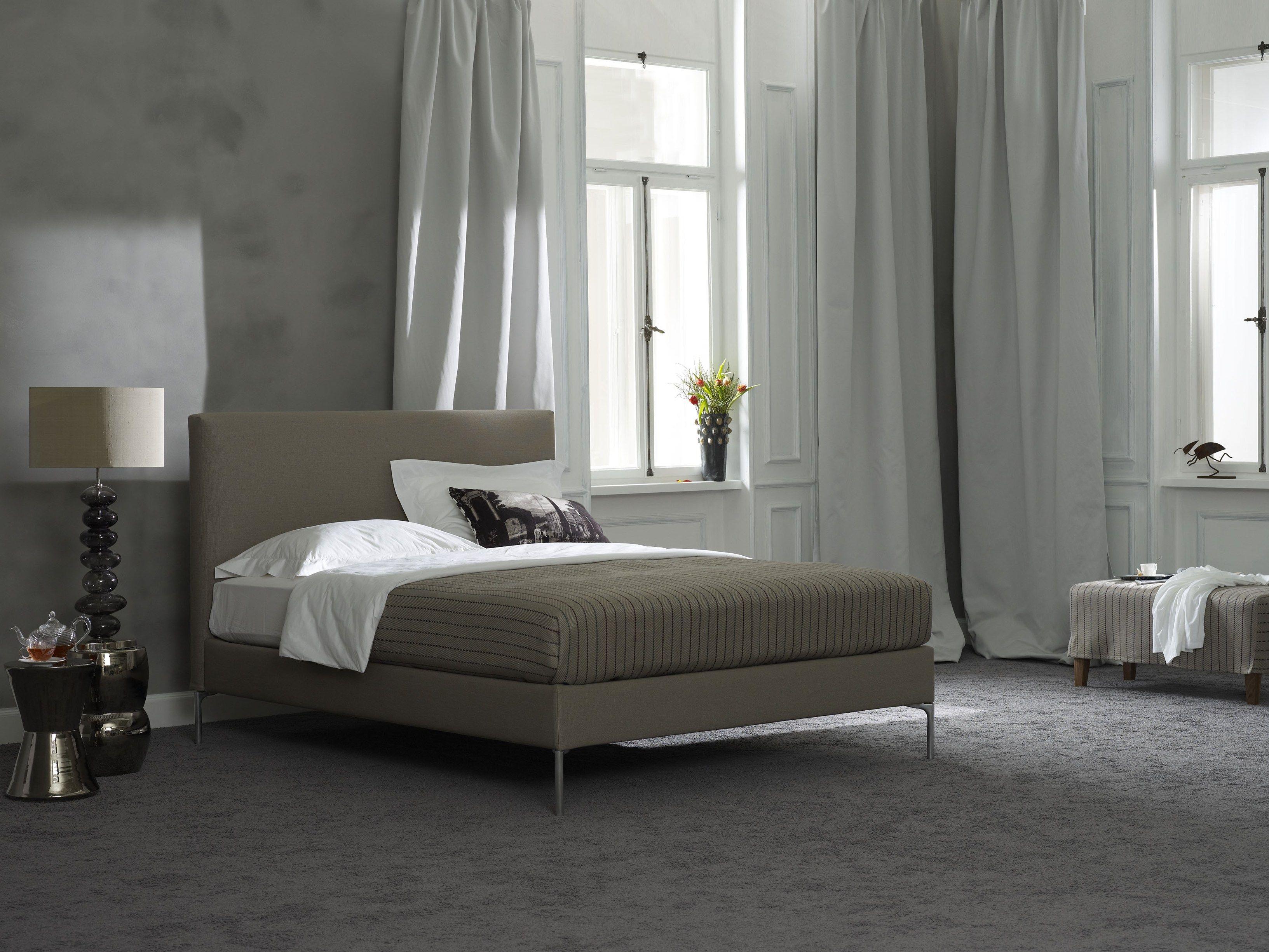 letto imbottito matrimoniale in tessuto basis 18 change by schramm werkst tten. Black Bedroom Furniture Sets. Home Design Ideas