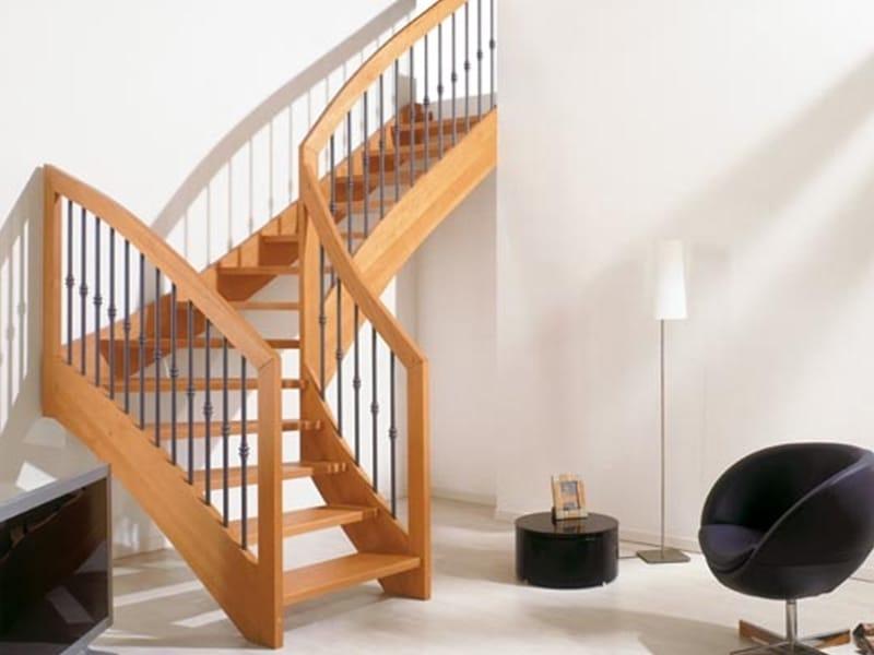 Escalier ouvert en bois massif oxa by fontanot spa for Escalier ouvert salon
