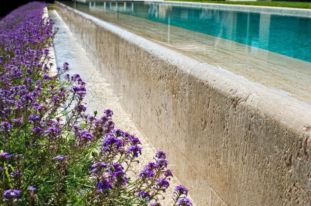 eingebautes schwimmbecken aus travertin schwimmbecken aus travertin indalo piscine - Site Travertin Ba