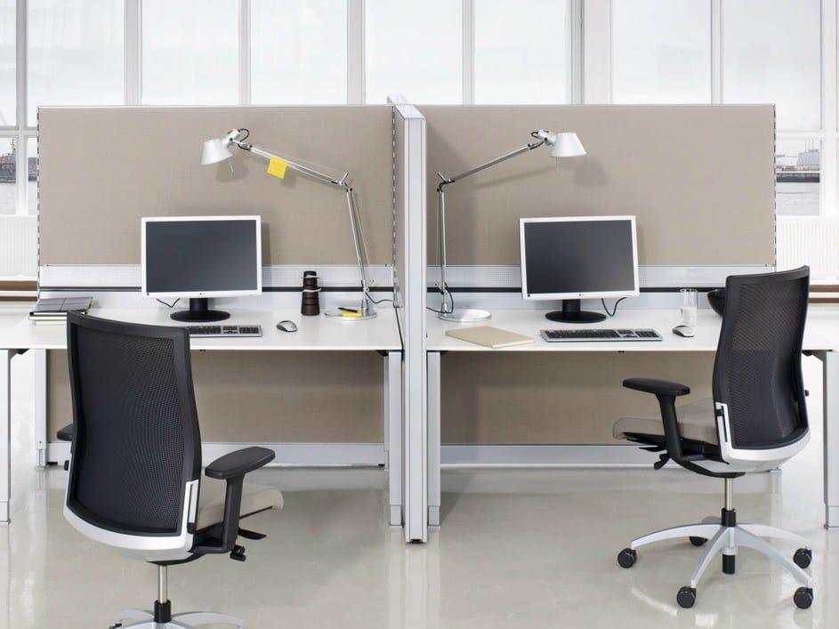 Freistehende schreibtisch trennwand inside 80 by k nig for Schreibtisch trennwand