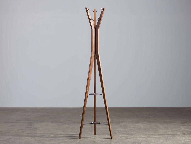 Hanny garderobe by artisan design ado avdagi for Standgarderobe holz