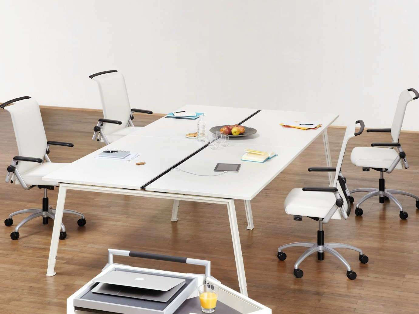 do it 4 office workstation by k nig neurath. Black Bedroom Furniture Sets. Home Design Ideas