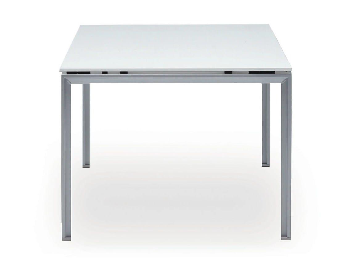 do it 4 office desk by k nig neurath. Black Bedroom Furniture Sets. Home Design Ideas