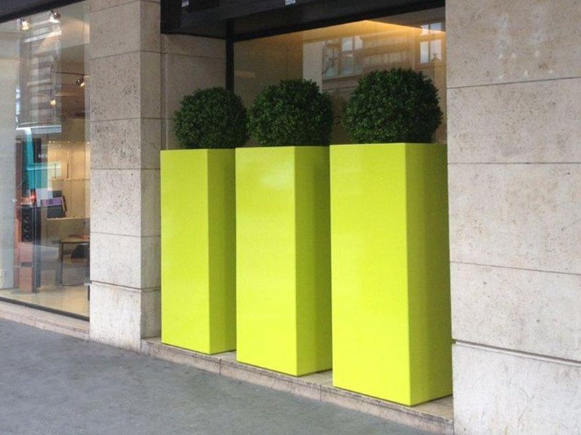 Jardini re haute planters at height of man by image 39 in by - Jardiniere etroite et haute ...