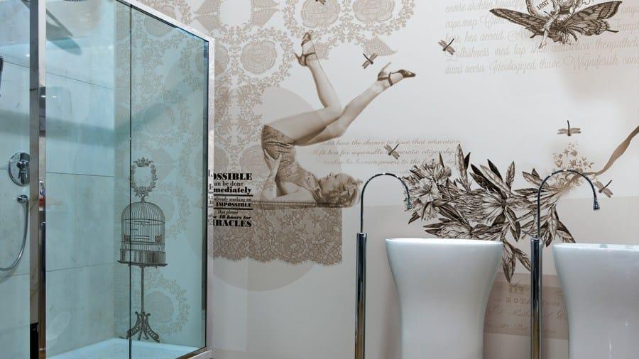 papier peint en vinyle avec critures pin up by glamora. Black Bedroom Furniture Sets. Home Design Ideas