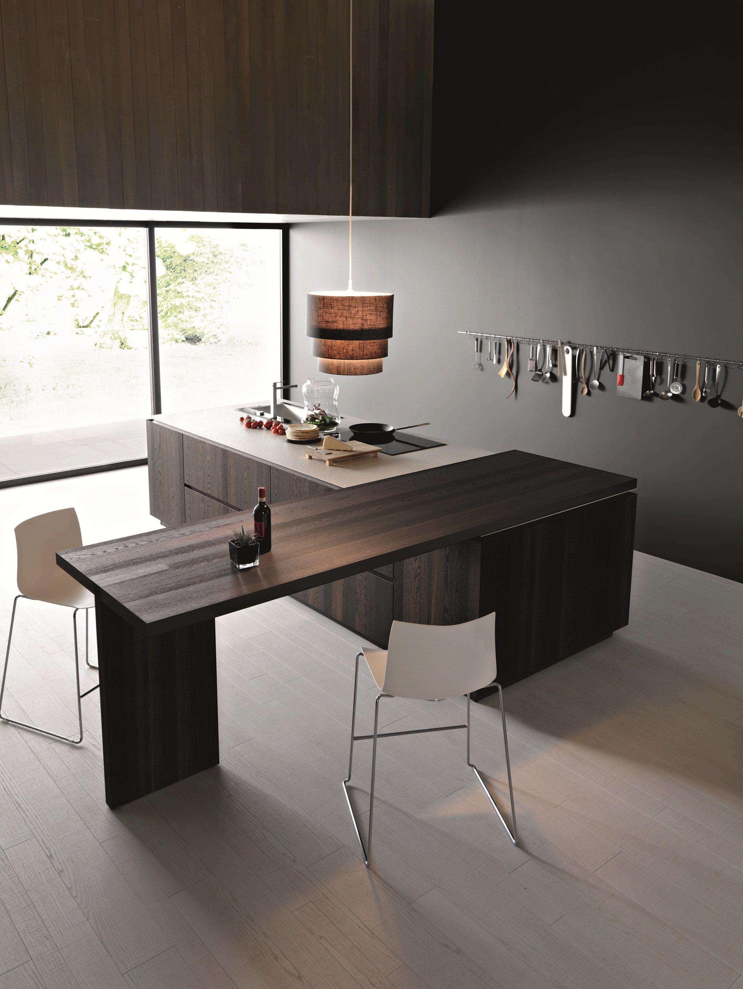 Cucina in legno con isola elle composizione 2 by cesar for Af arredamenti