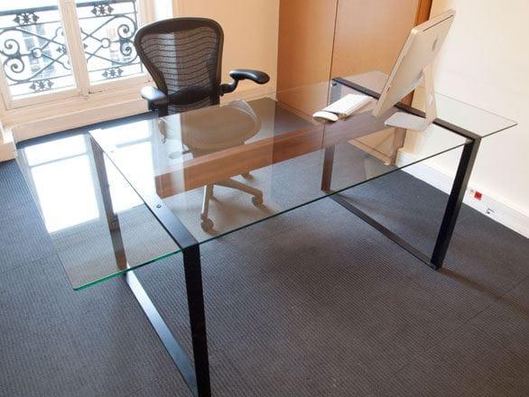 Scrivania rettangolare in acciaio e vetro collezione for Scrivanie in vetro e acciaio