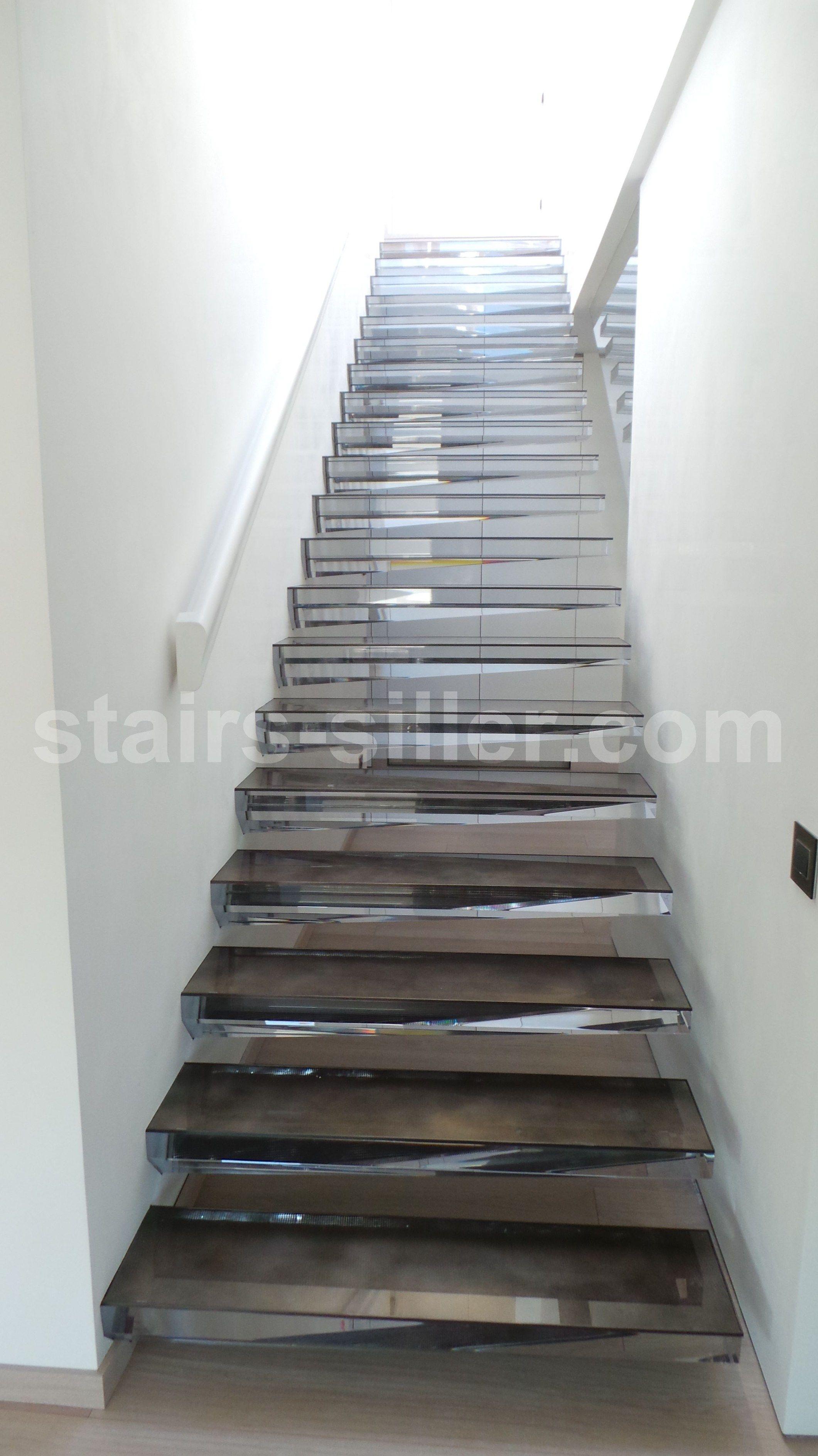 stairs in acrylic escalera volada de vidrio acrlico by siller treppen