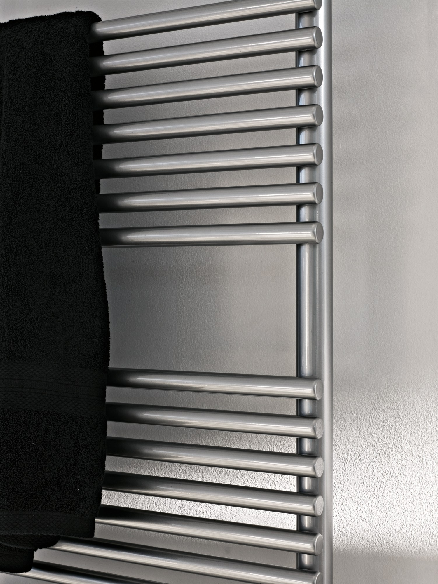 S che serviettes vertical mural basics 20 by tubes radiatori - Seche serviette mural ...