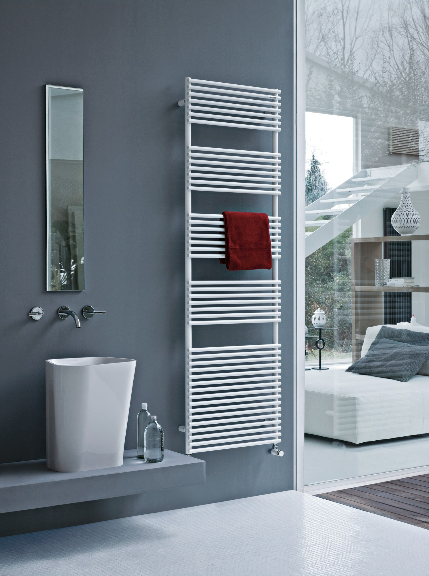 s che serviettes vertical mural basics 20 by tubes radiatori. Black Bedroom Furniture Sets. Home Design Ideas