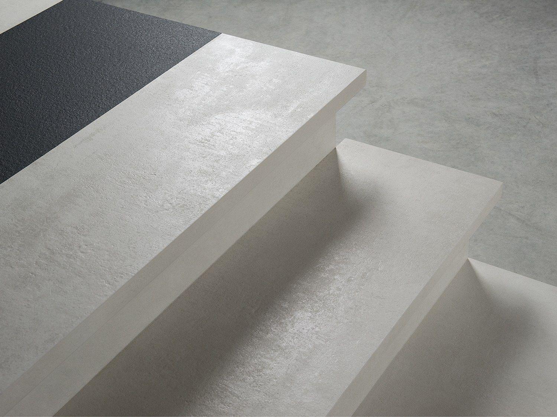 Rivestimento per scale in gres porcellanato by dsg ceramiche for Gradini in gres porcellanato prezzi