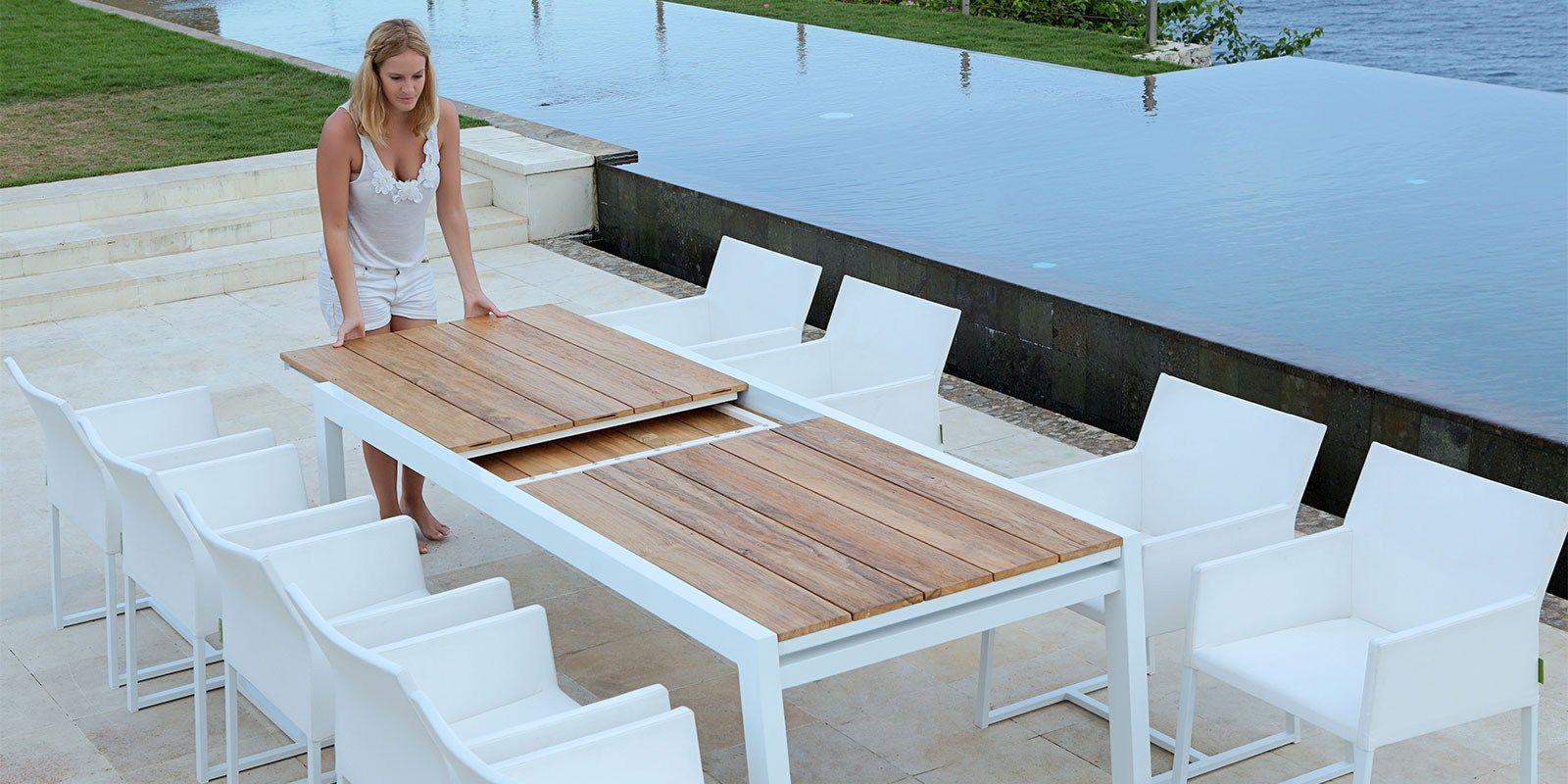 Tavolo allungabile da giardino in alluminio e legno baia for Tavolo giardino
