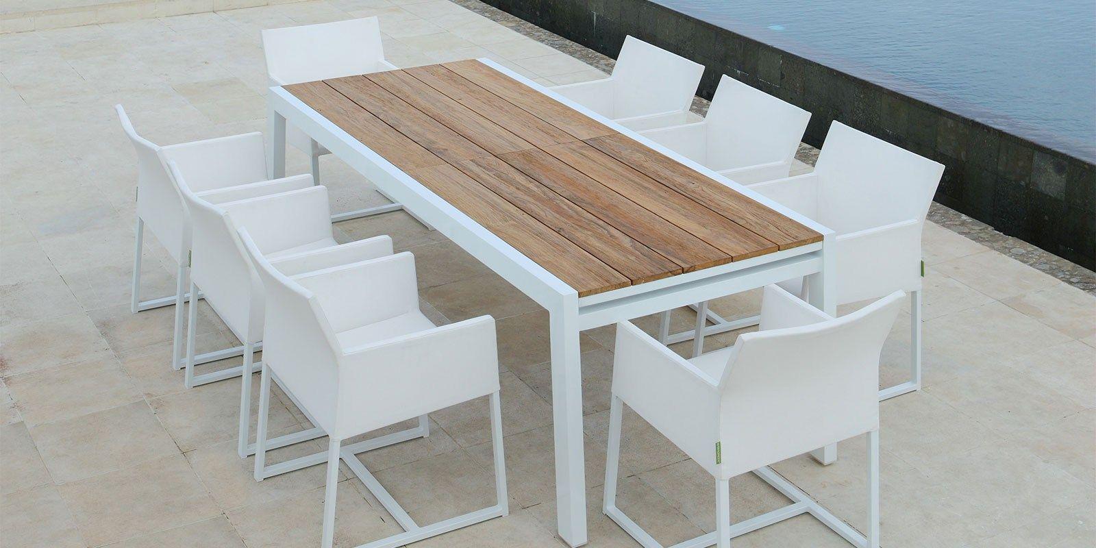Tavolo allungabile da giardino in alluminio e legno baia for Tavoli e ombrelloni da giardino
